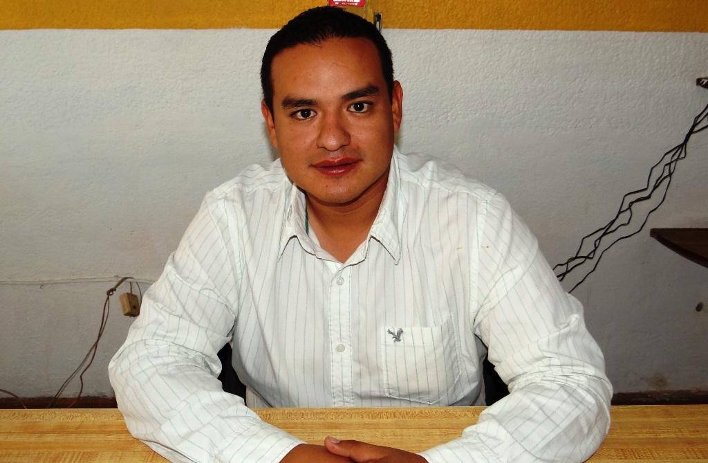 Walter Fausto Briones Morales titular de Alcoholes