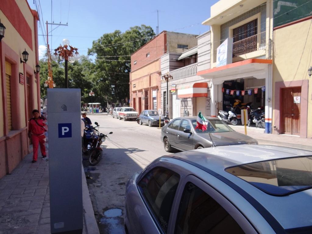el próximo lunes 31 de diciembre del 2012 y primero de enero del 2013 los parquímetros autorizados para operar de manera temporal no estarán en funcionamiento