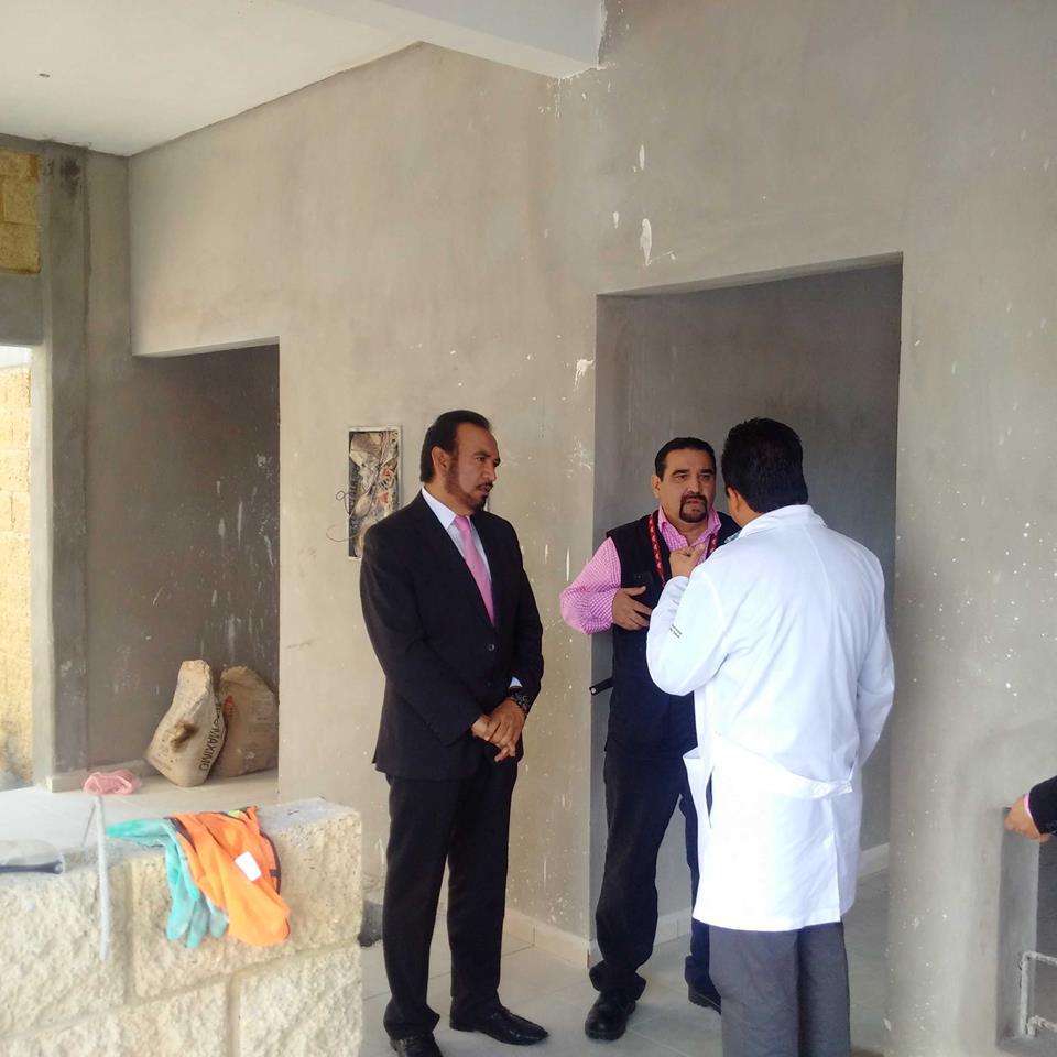 recorre alcalde instalaciones del albergue en el Hospital General